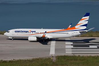 737 airplane for Ryanair barcelona paris orly