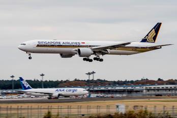 9V-SHC - Singapore Airlines Boeing 777-300ER