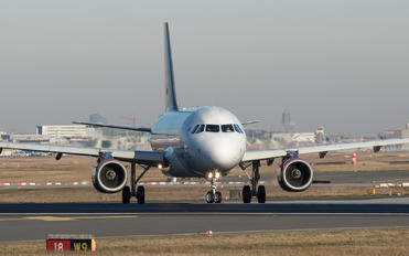 JY-AYP - Royal Jordanian Airbus A319