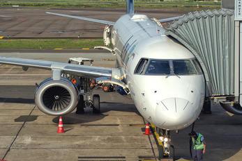 PR-AYH - Azul Linhas Aéreas Embraer ERJ-195 (190-200)