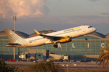 EC-MJB - Vueling Airlines Airbus A320