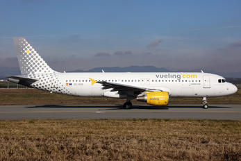 EC-KDX - Vueling Airlines Airbus A320