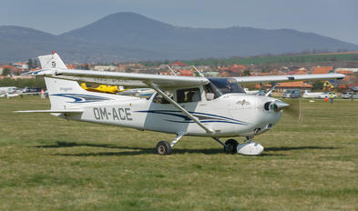 OM-ACE - Private Cessna 172 Skyhawk (all models except RG)