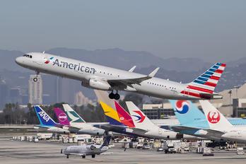 N988AL - American Airlines Airbus A321