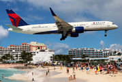 N707TW - Delta Air Lines Boeing 757-200 aircraft