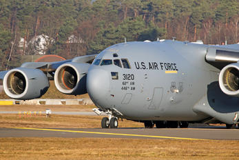 03-3120 - USA - Air Force Boeing C-17A Globemaster III
