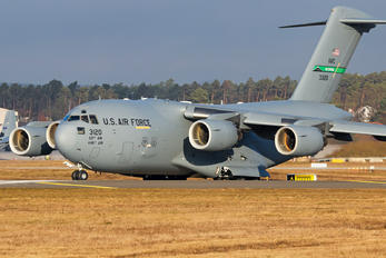 03-3120 - USA - Air Force Boeing C-17A Globemaster III