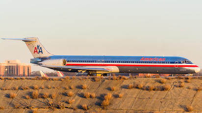 N590AA - American Airlines McDonnell Douglas MD-83
