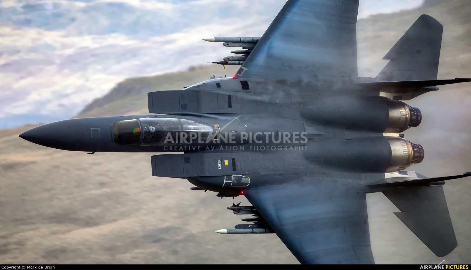 USA - Air Force 91-0303 aircraft at Machynlleth Loop - LFA 7