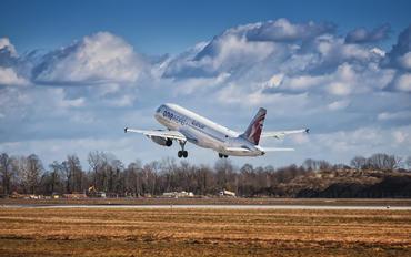 A7-AHO - Qatar Airways Airbus A320