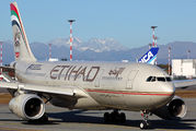 A6-EYJ - Etihad Airways Airbus A330-200 aircraft
