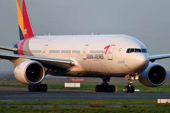 HL7732 - Asiana Airlines Boeing 777-200ER
