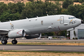 168757 - USA - Navy Boeing P-8A Poseidon