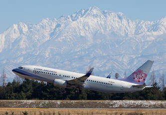 B-18606 - China Airlines Boeing 737-800