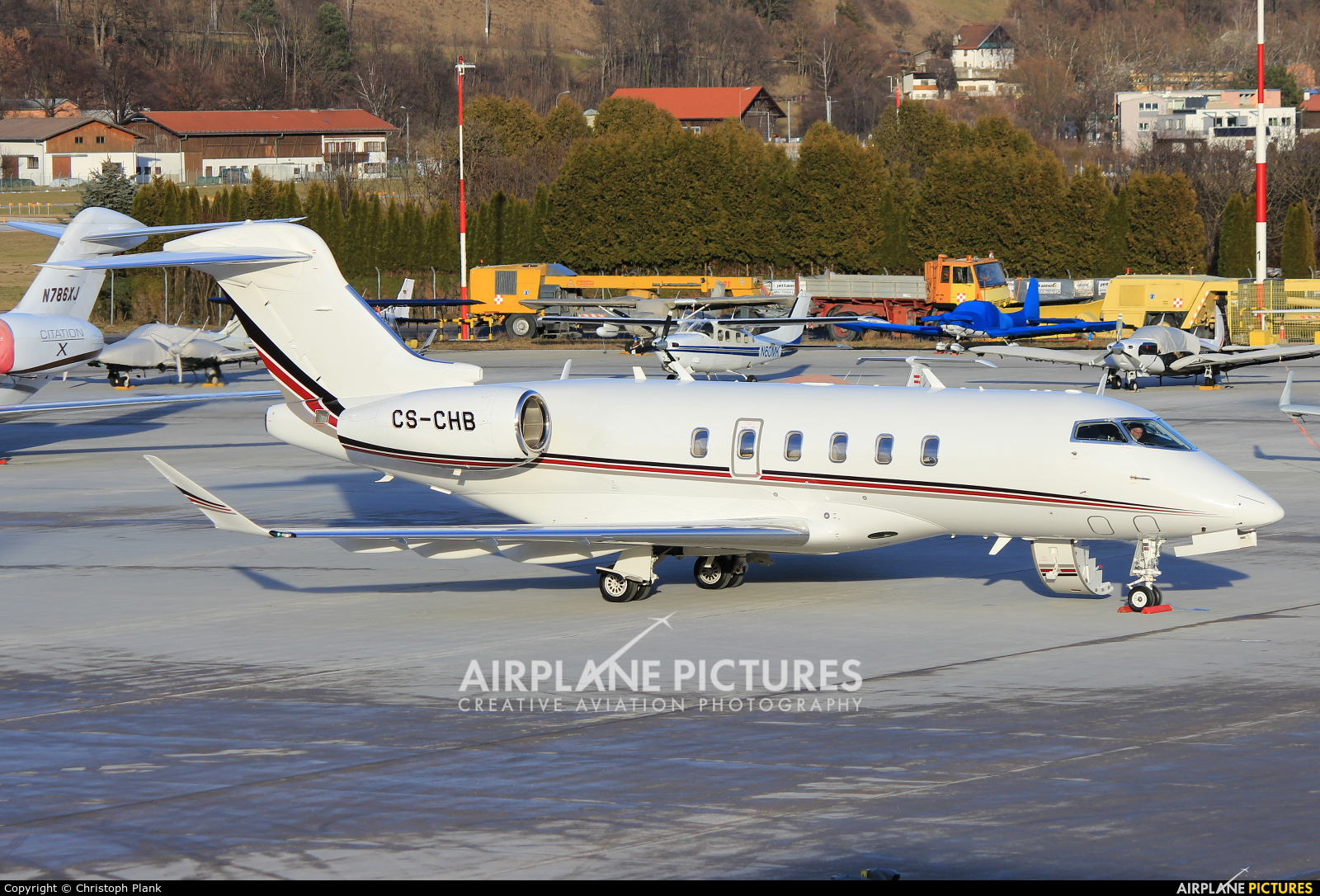 NetJets Europe (Portugal) CS-CHB aircraft at Innsbruck