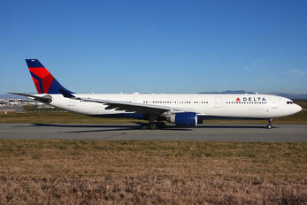 N815NW - Delta Air Lines Airbus A330-300