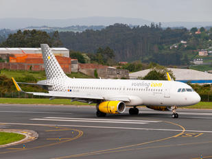 EC-LUO - Vueling Airlines Airbus A320
