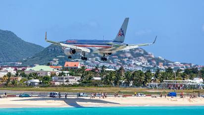 N665AA - American Airlines Boeing 757-200WL