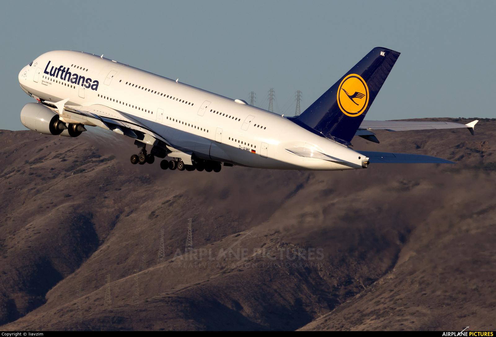 Lufthansa D-AIMK aircraft at San Francisco Intl