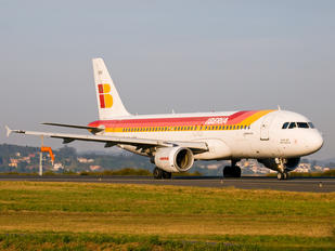 EC-HDK - Iberia Airbus A320