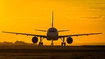 PR-MHV - TAM Airbus A320 aircraft