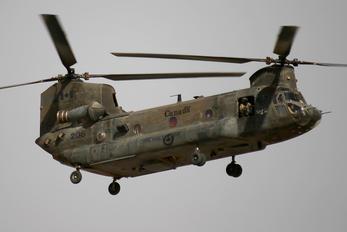 147206 - Canada - Air Force Boeing CH-147D
