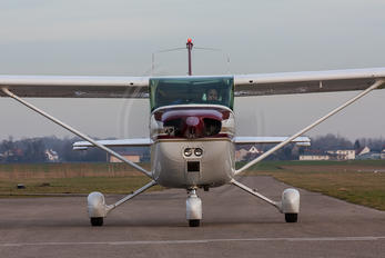 D-EEMR - Private Cessna 172 Skyhawk (all models except RG)