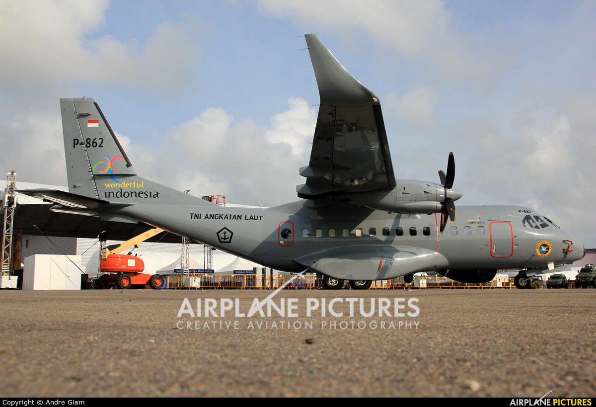 Indonesia - Navy P-862 aircraft at Singapore - Changi