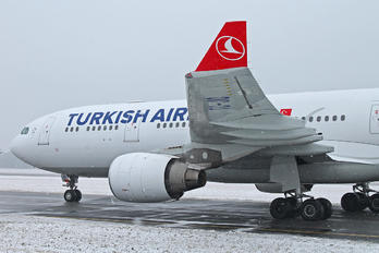 TC-JIO - Turkish Airlines Airbus A330-200