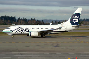 N627AS - Alaska Airlines Boeing 737-700