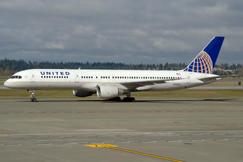 N528UA - United Airlines Boeing 757-200