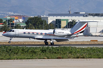 N197SW - Private Gulfstream Aerospace G-IV,  G-IV-SP, G-IV-X, G300, G350, G400, G450