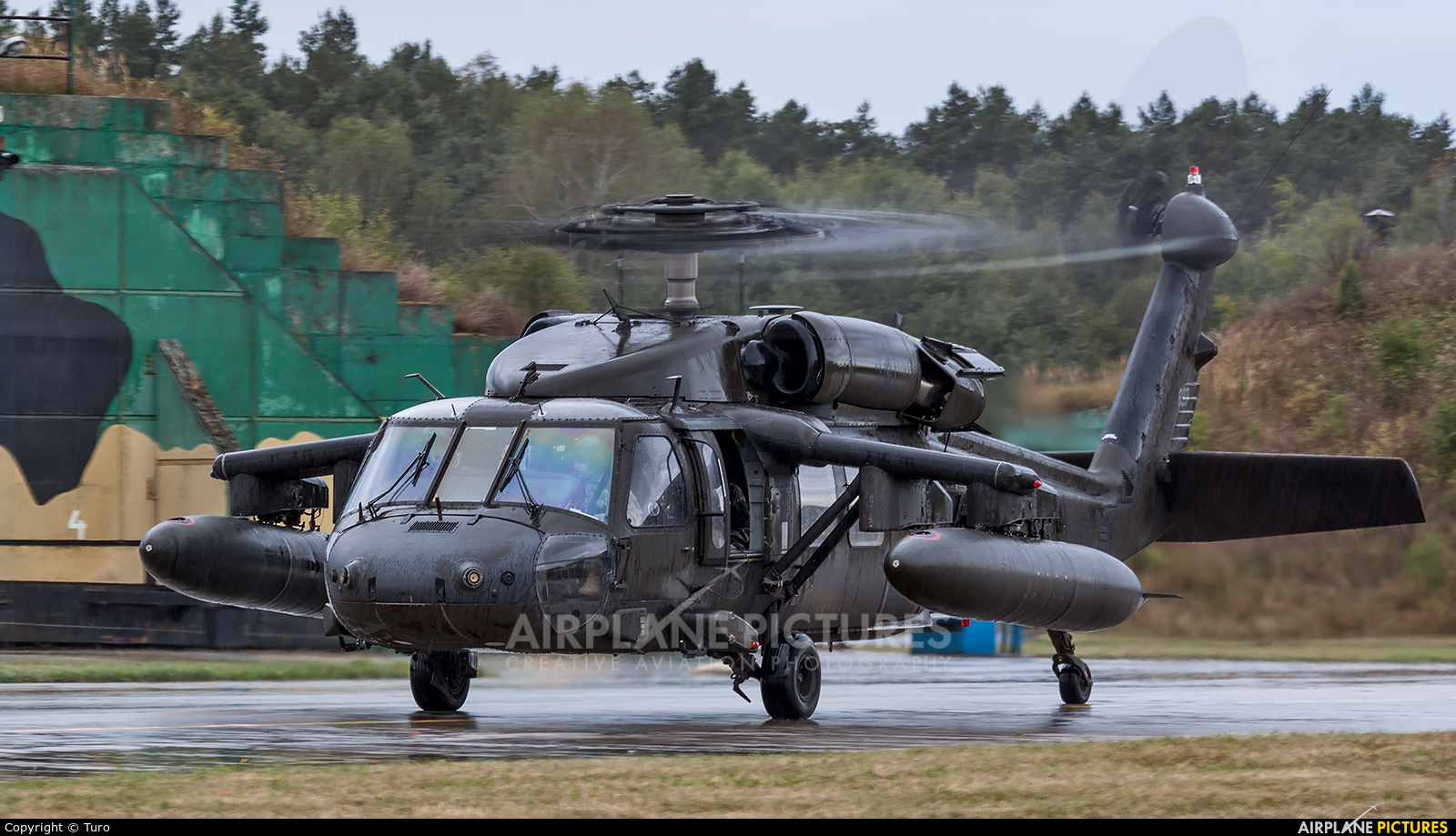 USA - Army 687 aircraft at Mirosławiec
