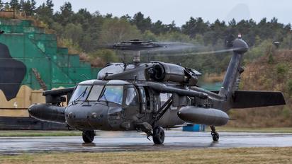 687 - USA - Army Sikorsky UH-60L Black Hawk