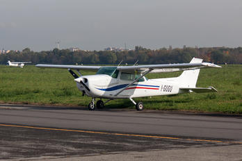 I-GUGU - Private Cessna 172 Skyhawk (all models except RG)