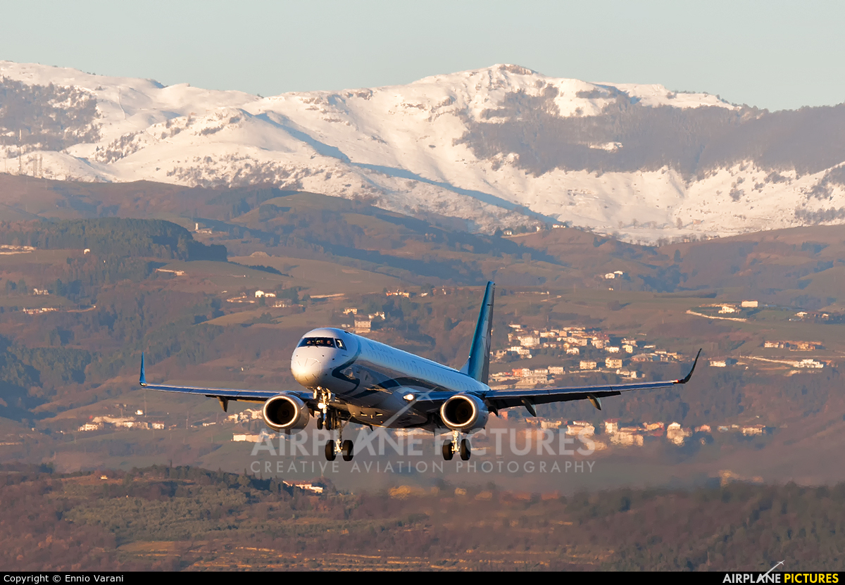 Air Dolomiti I-ADJR aircraft at Verona - Villafranca