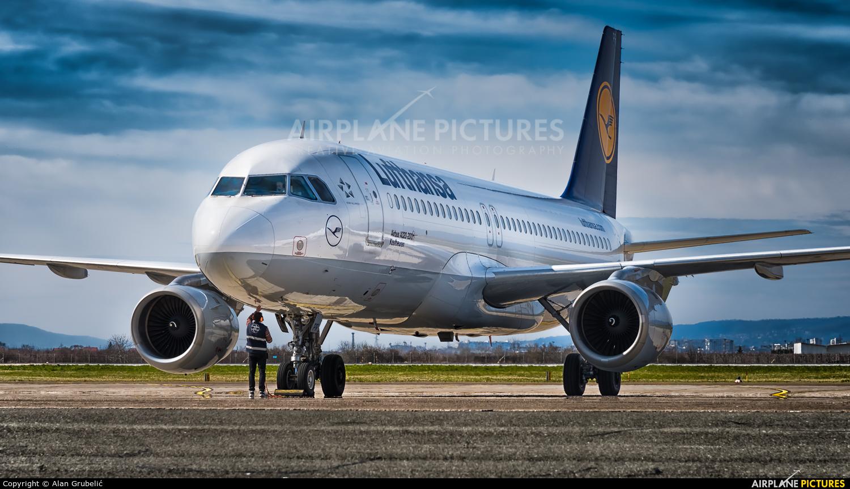 Lufthansa D-AIPR aircraft at Zagreb