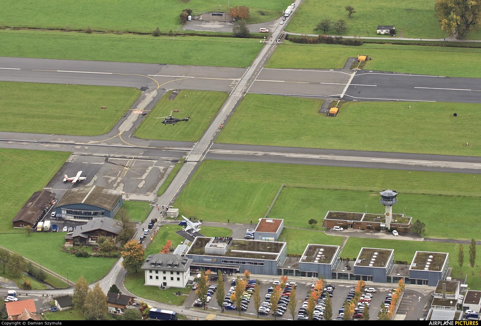 - Airport Overview - aircraft at Meiringen