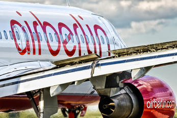 D-ABZN - Air Berlin Airbus A320