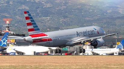 N105UW - American Airlines Airbus A320