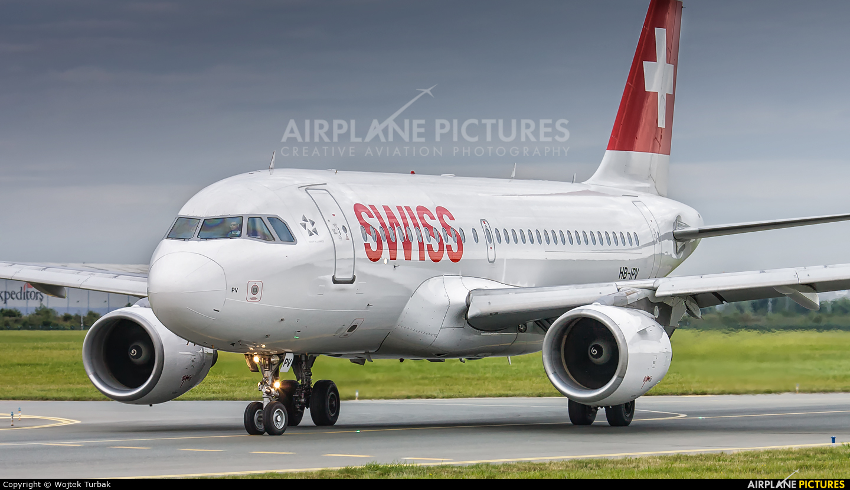 Swiss HB-IPV aircraft at Dublin