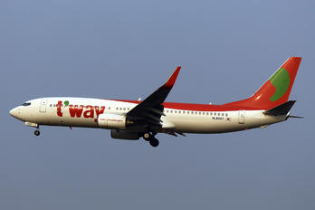 HL8047 - T'Way Air Boeing 737-800