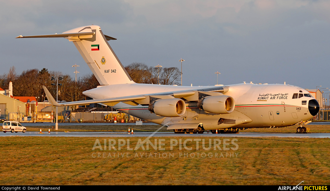Kuwait - Air Force KAF342 aircraft at Prestwick