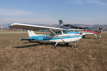 I-TOSY - Private Cessna 172 Skyhawk (all models except RG)