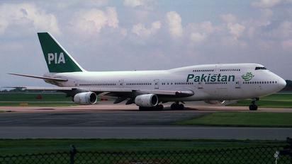 AP-BFW - PIA - Pakistan International Airlines Boeing 747-300
