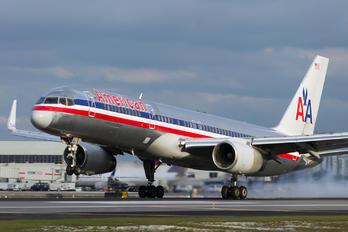 N646AA - American Airlines Boeing 757-200WL