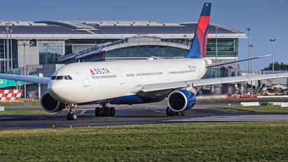 N822NW - Delta Air Lines Airbus A330-300