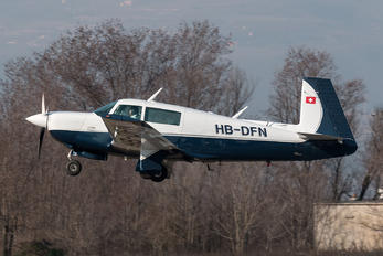 HB-DFN - Private Mooney M20J
