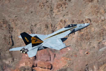 166959 - USA - Navy Boeing F/A-18E Super Hornet