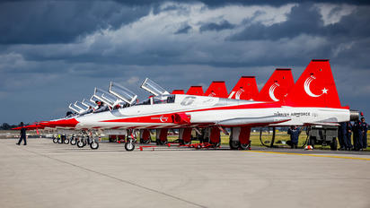70-3023 - Turkey - Air Force : Turkish Stars Canadair NF-5A